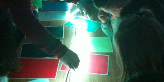 Visita: talleres de fotónica para primaria y secundaria