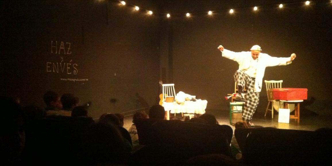 Salida: Teatro en el Café de las Artes