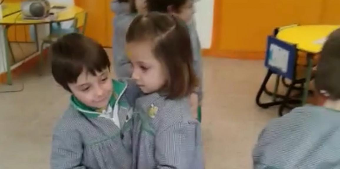 JUGAMOS CON LA MÚSICA